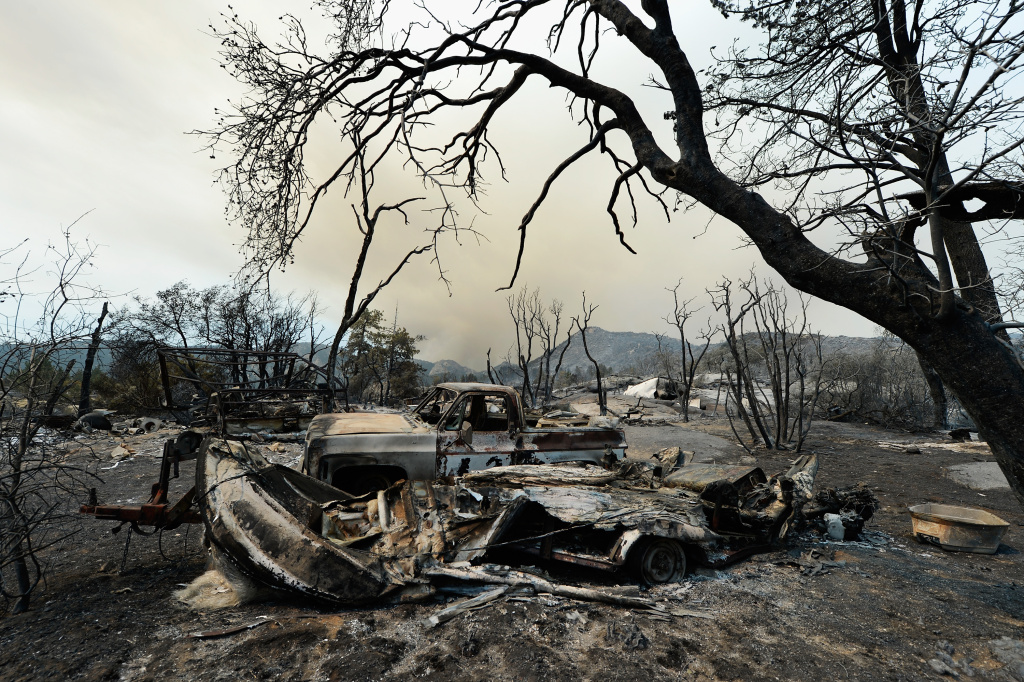 mountain fire riverside county declares emergency cause probed photos 89 3 kpcc. Black Bedroom Furniture Sets. Home Design Ideas