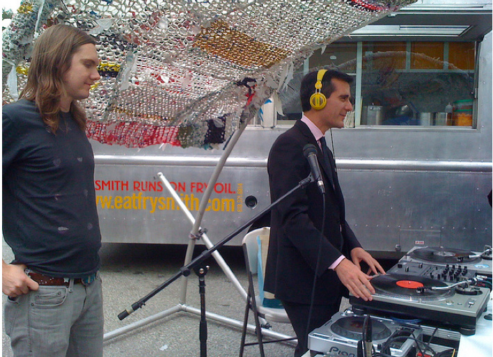 Eric Garcetti with dublab at Sustainable Silverlake Earth Day festival '10.