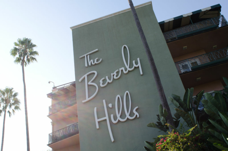 The entrance to the Beverly Hills hotel has become iconic. The hotel has been used in several movies such as