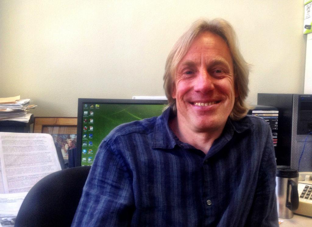 UC Irvine Associate Professor John Hipp