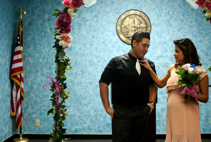 Rick And Jessica Garcia Of West Covina Kiss After They Are Married By Volunteer Elizabeth Oakes