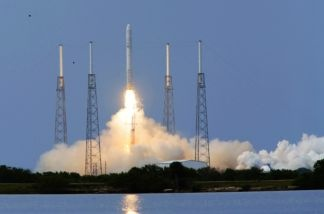The SpaceX Falcon 9 test rocket lifts off of pad 40 at Cape Canaveral Air Force Station on June 4, 2010 in Cape Canaveral, Florida.
