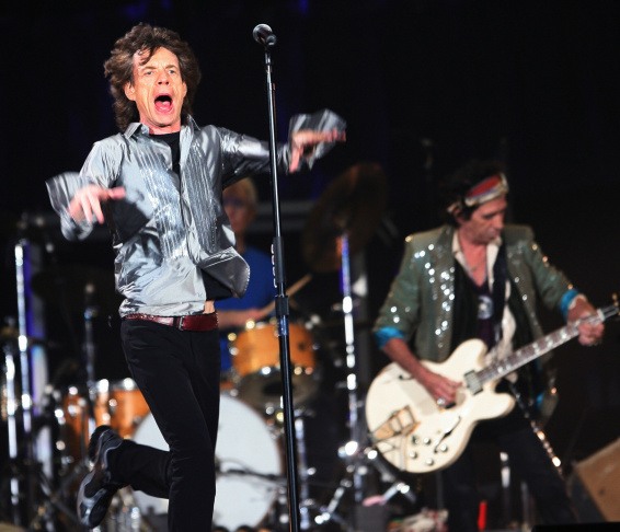 Mick Jagger and Keith Richards (R, guita