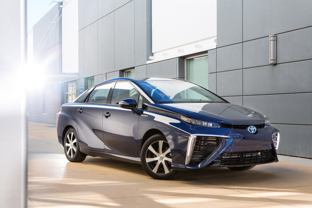 Toyota is putting a big bet on hydrogen as an alternative fuel, introducing a mid-size sedan that runs 300 miles on a fill-up and produces zero emissions.