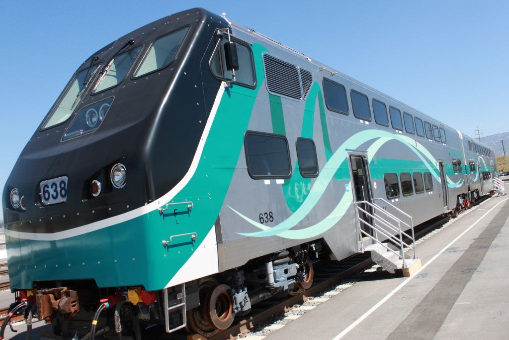 Metrolink unveils fleet of new, safer passenger cars in Colton