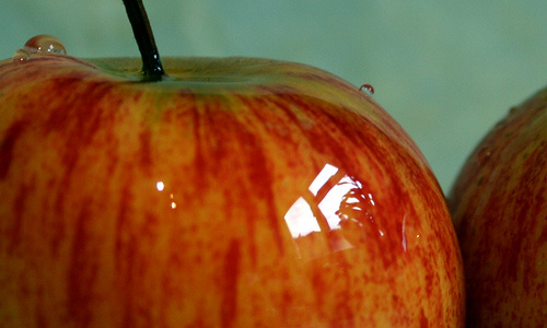 Apples and other fruits rich in anthocyanins may reduce a person's risk of diabetes