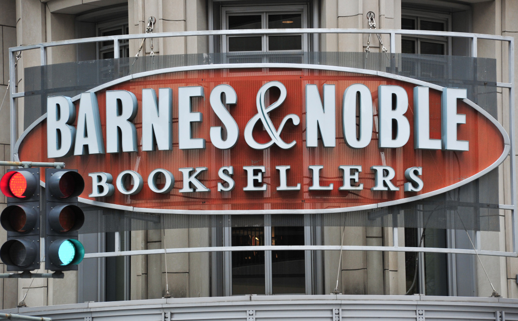 The exterior of a Barnes & Noble store.