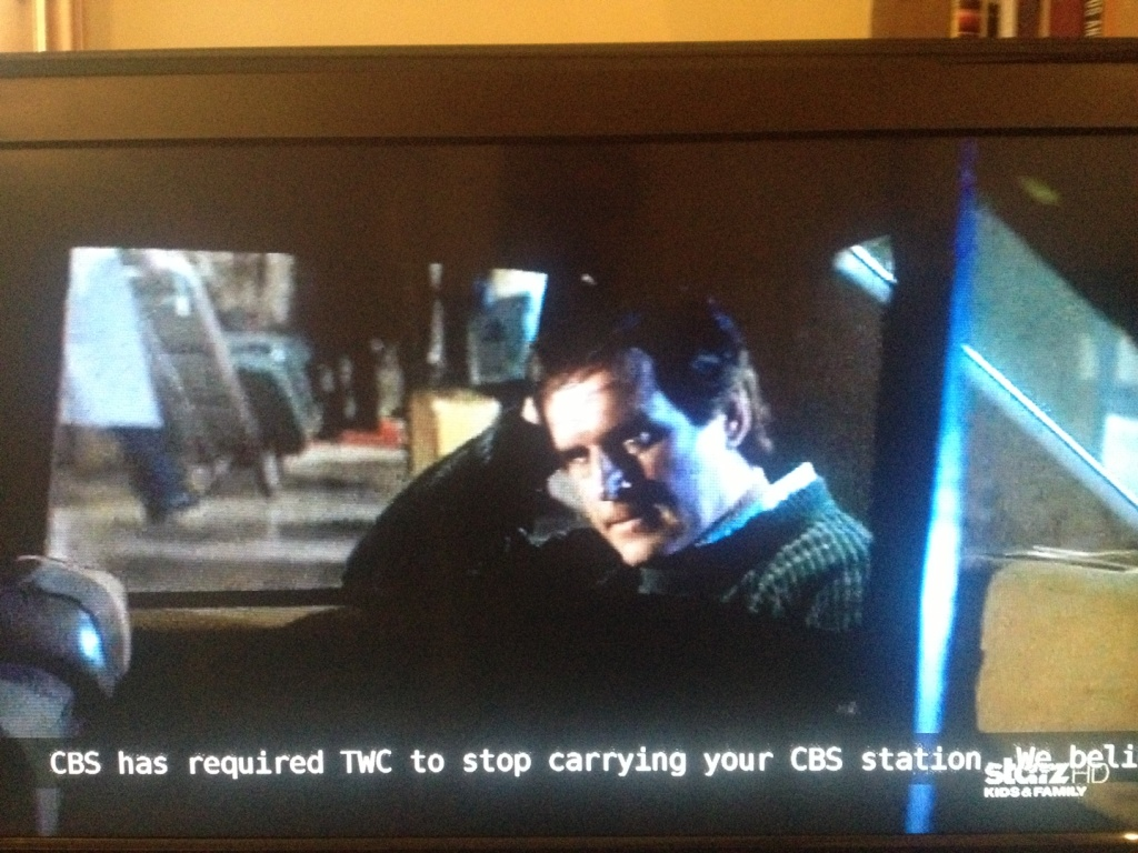 A photo shows Starz programming on the channel that carried CBS before the blackout. A message to Time Warner Cable customers explains the switch.