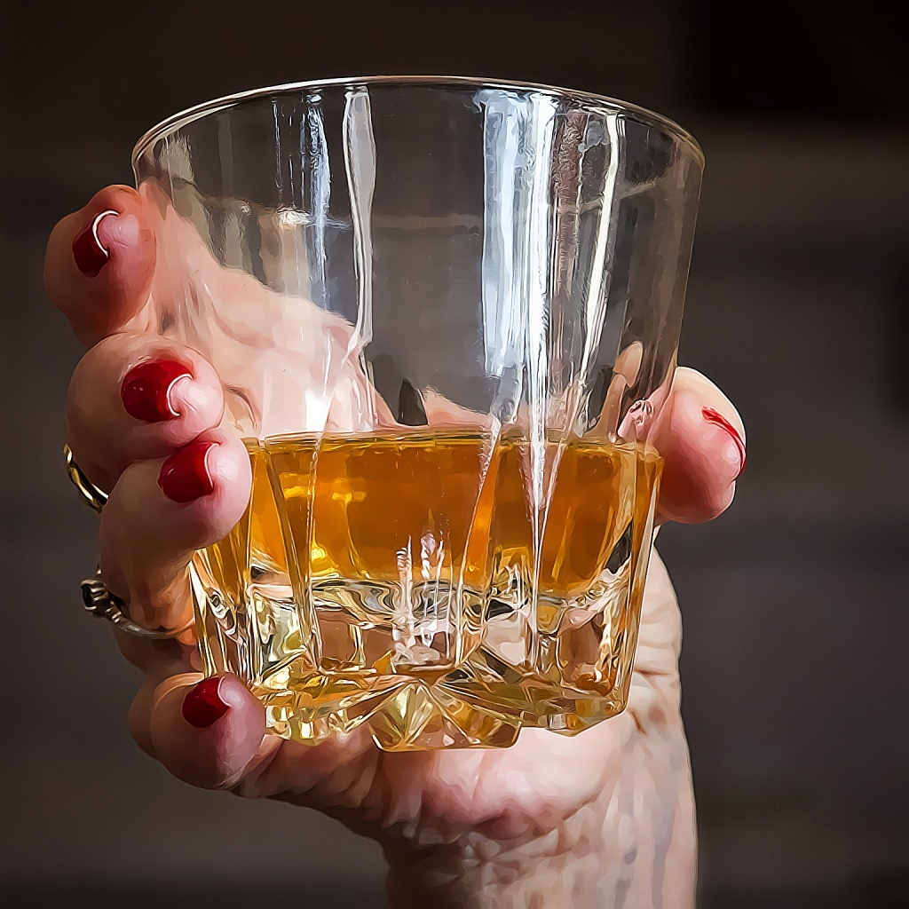 drinking alcohol women