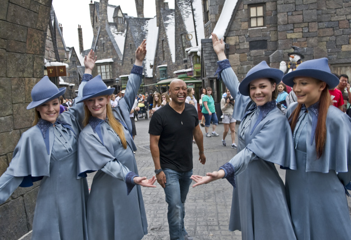 J.R. Martinez, Actor And Former U.S. Army Soldier, Visits Universal Orlando Resort