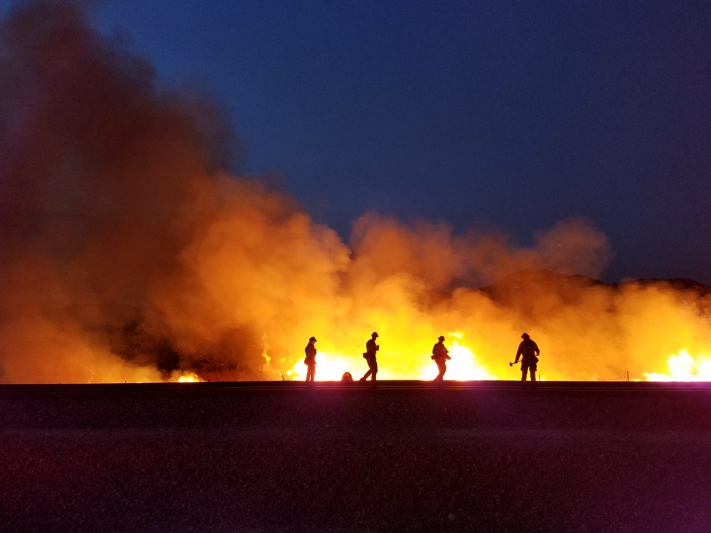 Sparked By Fireworks Palmer Fire Burns Thousands Of Acres Near Redlands 89 3 Kpcc