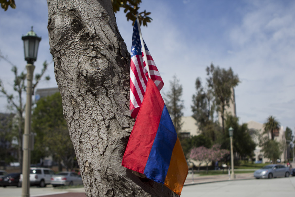 With almost 30,000 registered voters of Armenian descent in Los Angeles, the City Council may soon consider including the Armenian language in election ballots.