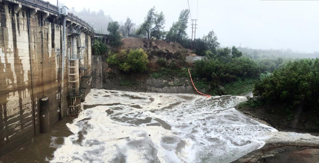The Devil's Gate Dam in Pasadena
