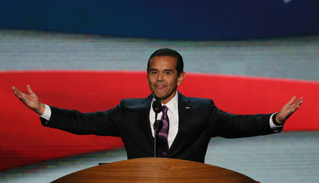 Is Mayor Antonio Villaraigosa headed to Washington, D.C.? Ray LaHood's decision to step down as U.S. Transportation Secretary gives teeth to speculation that the mayor could join Obama's White House.