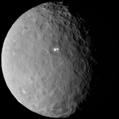 Dawn spacecraft captured these images of dwarf planet Ceres from 25000 miles.
