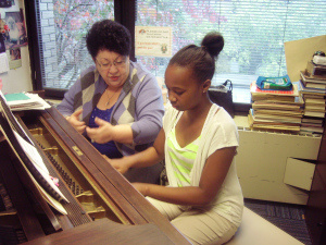 Student Lauren and teacher Delilah at Harlem School for the Arts