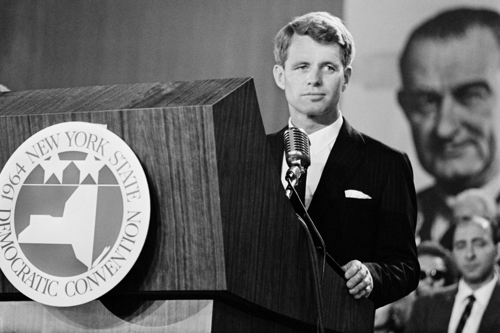 US Secretary of Defense Robert Kennedy gives a speech on September 2, 1964 at the Democratic National Convention in New-York.