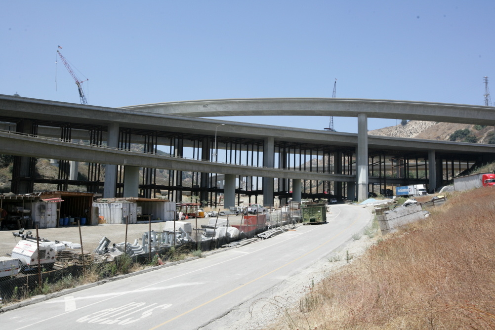 Caltrans is opening a new HOV lane that will link I-5 and SR-14.