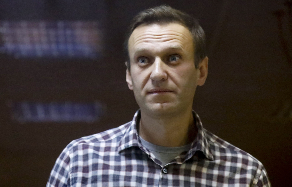A doctor for imprisoned Russian opposition leader Alexei Navalny, who is in the third week of a hunger strike, said on Saturday that his health is deteriorating rapidly and the 44-year-old Kremlin critic could be on the verge of death.