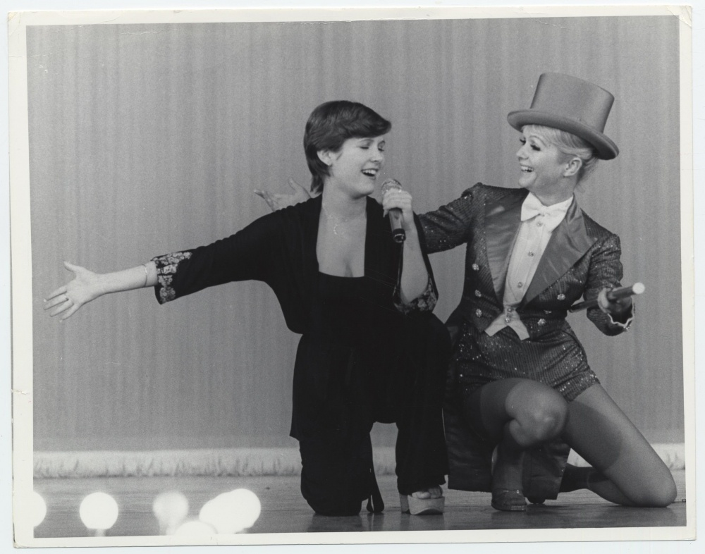 Carrie Fisher and Debbie Reynolds star in