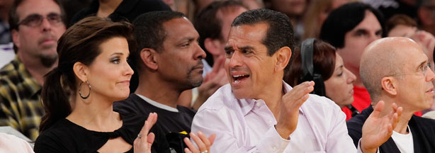 Mayor Antonio Villaraigosa and television reporter Lu Parker have split, reports the Los Angeles Times.