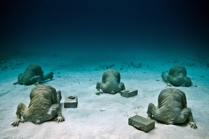 The cover of Jason deCaires Taylor's book, The Underwater Museum.