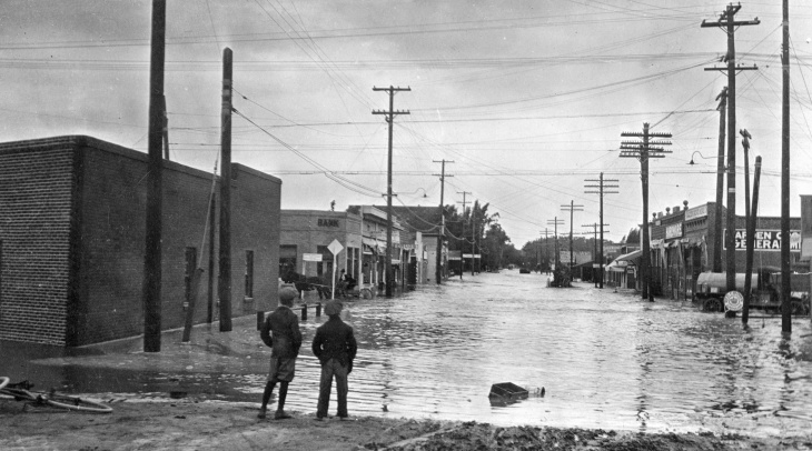 Garden Grove during the flood of 1916.