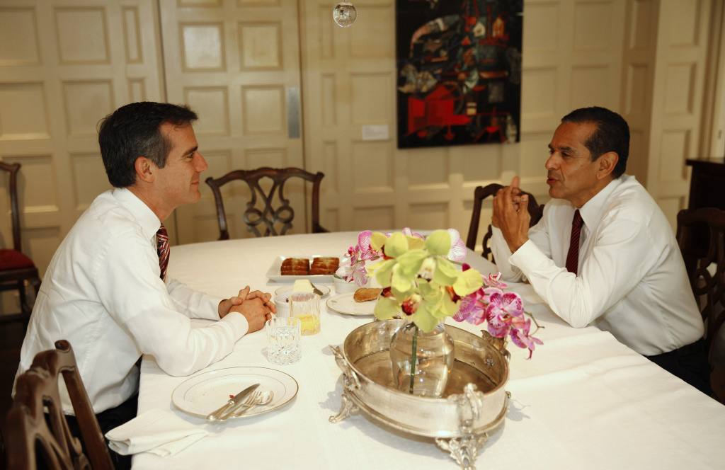 Los Angeles Mayor Antonio Villaraigosa (R) and mayor-elect Eric Garcetti meet over breakfast to at Getty House, the official residence of the mayor May 23, 2013 in Los Angeles, California. The two met reportedly talked about the transition and then addressed the media for a press conference.