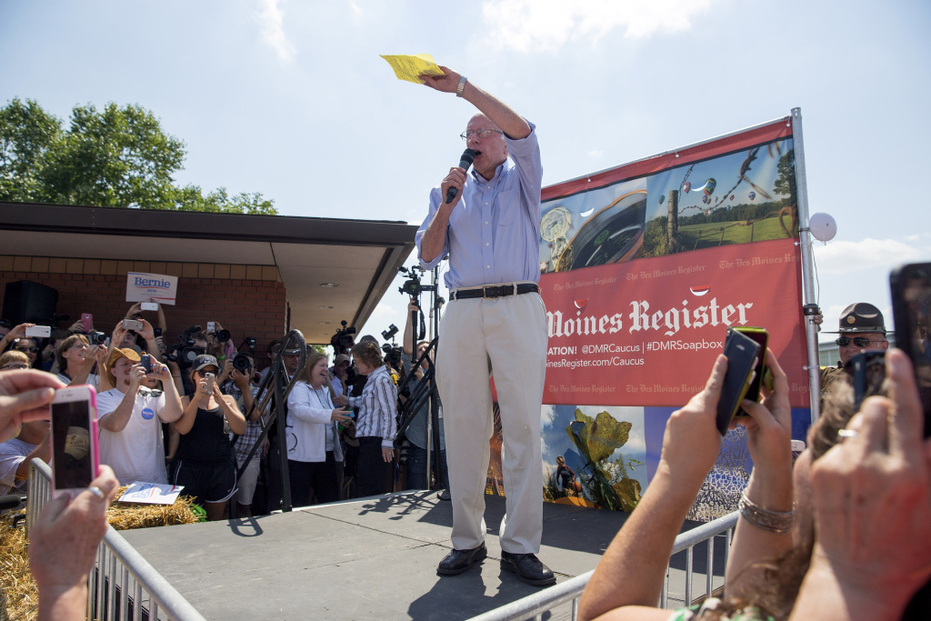 Democratic presidential candidate U.S. Sen. Bernie Sanders (I-VT) speaks at the Des Moines Register Soapbox at the Iowa State Fair on August 15, 2015 in Des Moines, Iowa