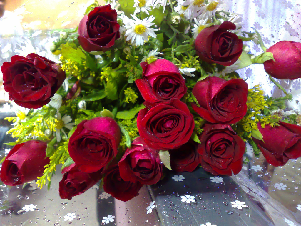 A bouquet of roses always makes a nice Valentine's Day gift...unless the recipient is allergic to roses.