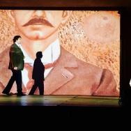 Mezzo-soprano Laura Virella plays Frida Kahlo and baritone Bernardo Bermudez plays Diego Rivera.