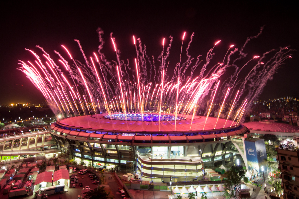 RIO DE JANEIRO, BRAZIL - AUGUST 05:  Fireworks explode over the Maracana Stadium during the opening ceremony of the Rio 2016 Olympic Games on August 5, 2016 in Rio de Janeiro, Brazil. Rio 2016 will be the first Olympic Games in South America.  (Photo by Chris McGrath/Getty Images)
