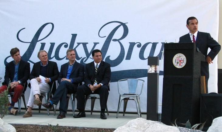 Mayor Villaraigosa at Lucky Brand's LA headquarters.