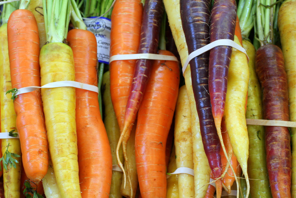 Sales at L.A. County farmers markets dropped by more than 40 percent from 2007 to 2012, according to the USDA study.