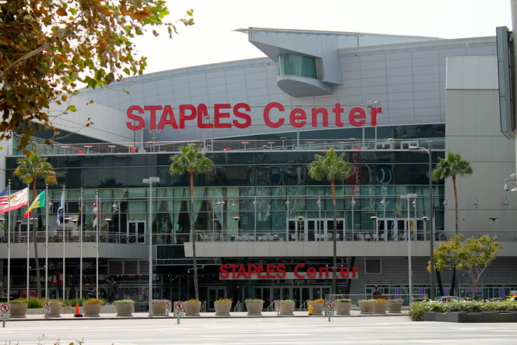 The Staples Center would lose business from LA Kings fans if there were an NHL lockout.