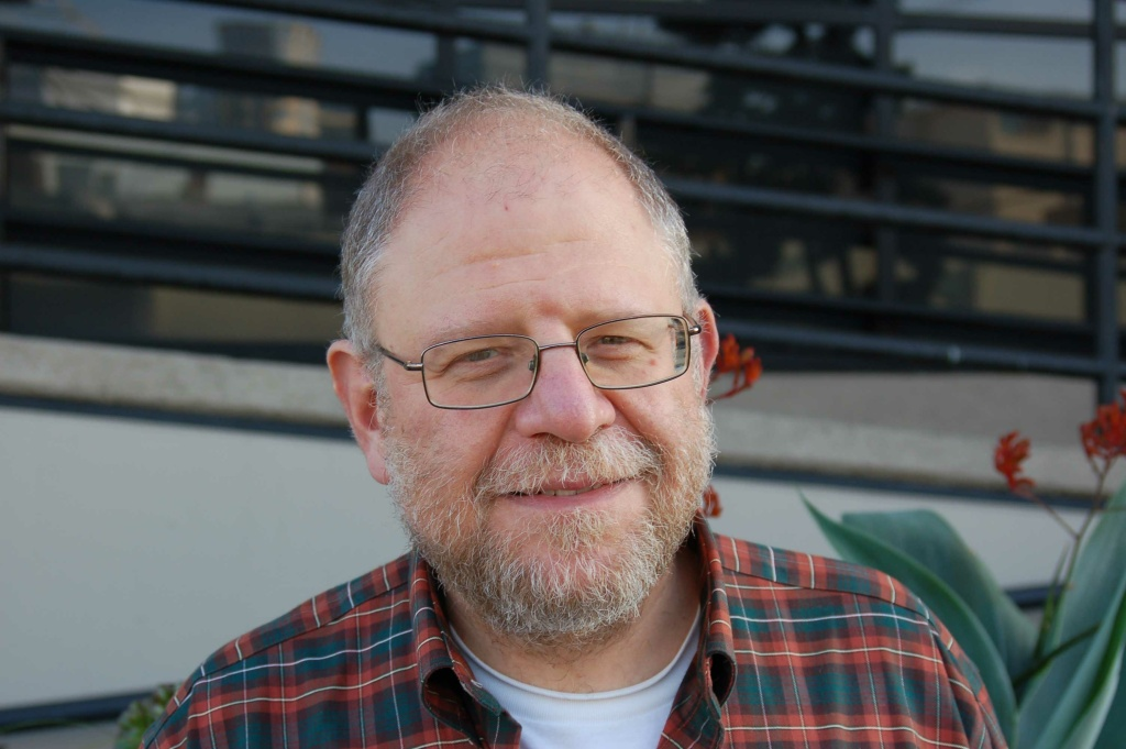 Business journalist Mark Lacter, a KPCC contributor who passed away Tuesday, Nov. 12.