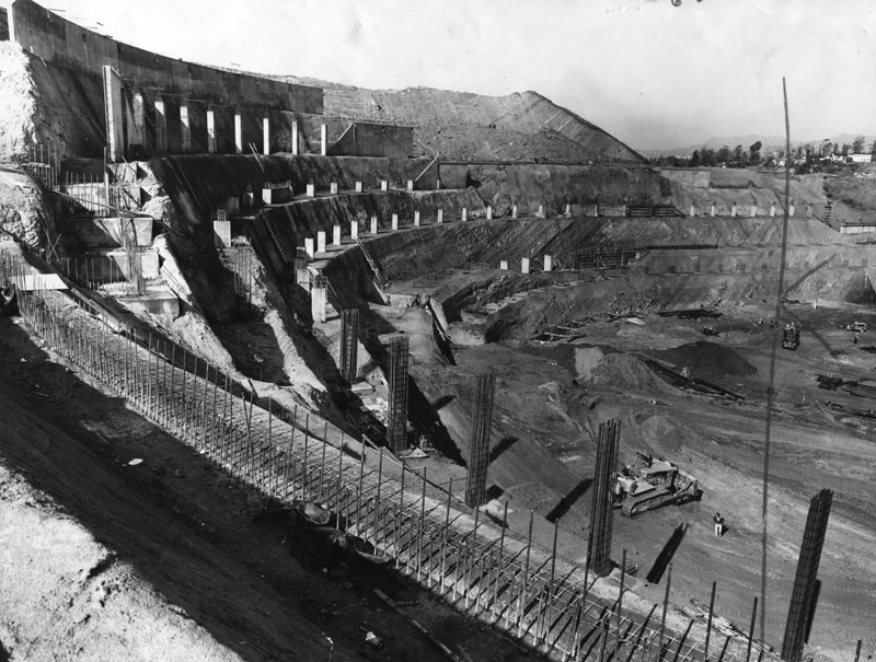 February 16, 1961: Ramparts rise at top speed as work is ahead of schedule at Dodger Stadium, built on the site of Chavez Ravine. Courtesy of the Los Angeles Public Library