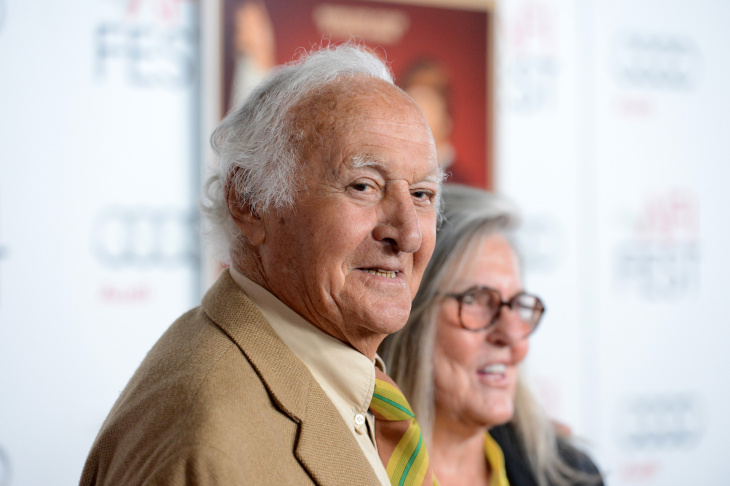 File: Actor Robert Loggia at the premiere of