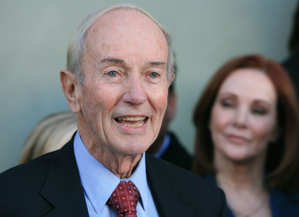 File photo: Anchor Stan Chambers attends the KTLA-CW receiving a star on the Hollywood Walk of Fame on January 24, 2007 in Los Angeles, California. Chambers passed away on Friday. He was 91.