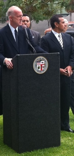 File photo: LADWP chief Ron Nichols and L.A. Mayor Antonio Villraigosa.