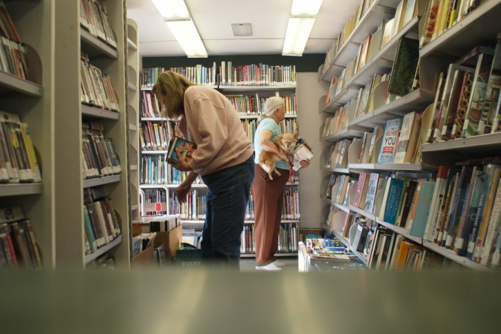 Las Virgenes Bookmobile interior 2