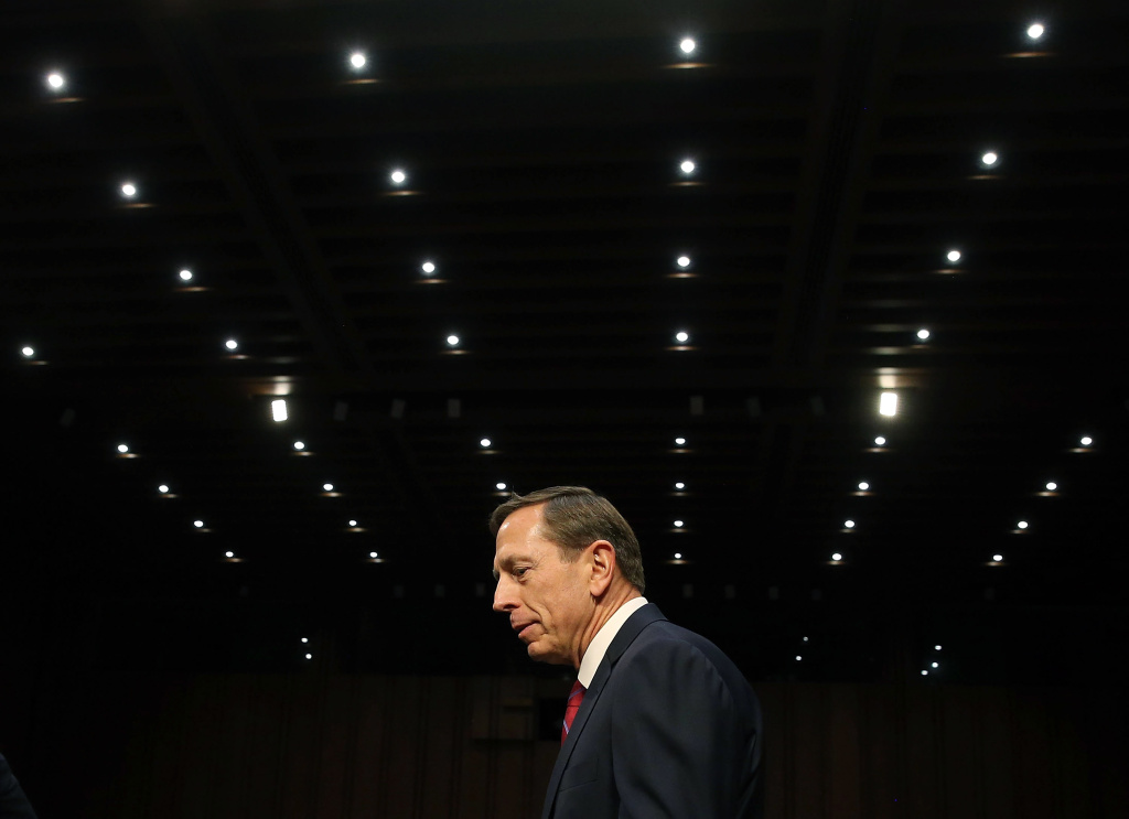 File: Retired U.S. Army Gen. David Petraeus arrives at a Senate Armed Services Committee hearing on Capitol Hill Sept. 22, 2015 in Washington, D.C.