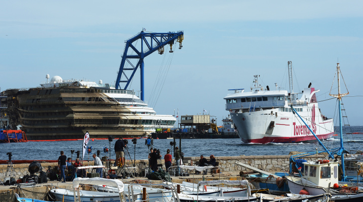 ITALY-SHIPPING-TOURISM-DISASTER