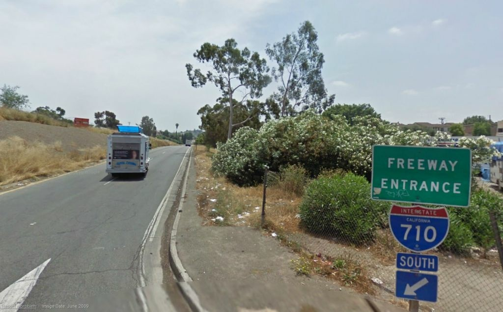 Google Maps screenshot of the entrance to the 710 freeway from its north-most point. Caltrans has been planning the freeway's extension for decades.