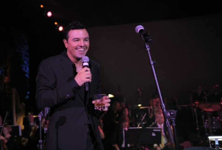 Seth MacFarlane arrives at the Premiere of Universal Pictures'