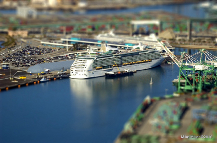 cruise ship tiltshift san pedro