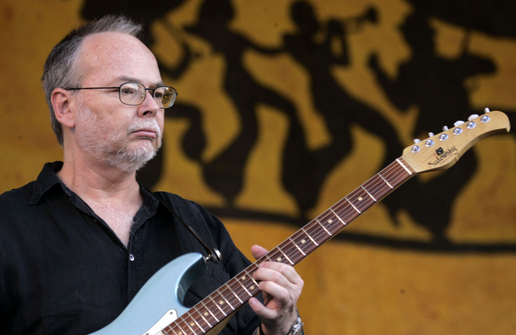 Guitarist Walter Becker of Steely Dan performs at the New Orleans Jazz & Heritage Festival in New Orleans, Louisiana on May 6, 2007.