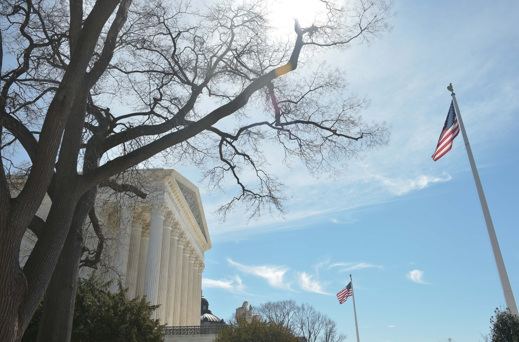 A March 12, 2015 photo shows the US Supreme Court in Washington, DC. AFP PHOTO/MANDEL NGAN.