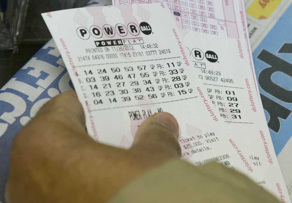 Officials say a winning Powerball ticket was sold in a supermarket in Florida.