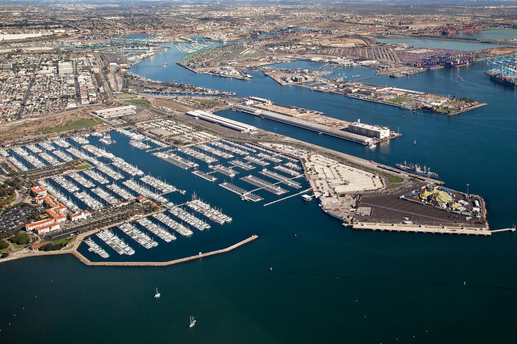 File: Cabrillo Marina in San Pedro.